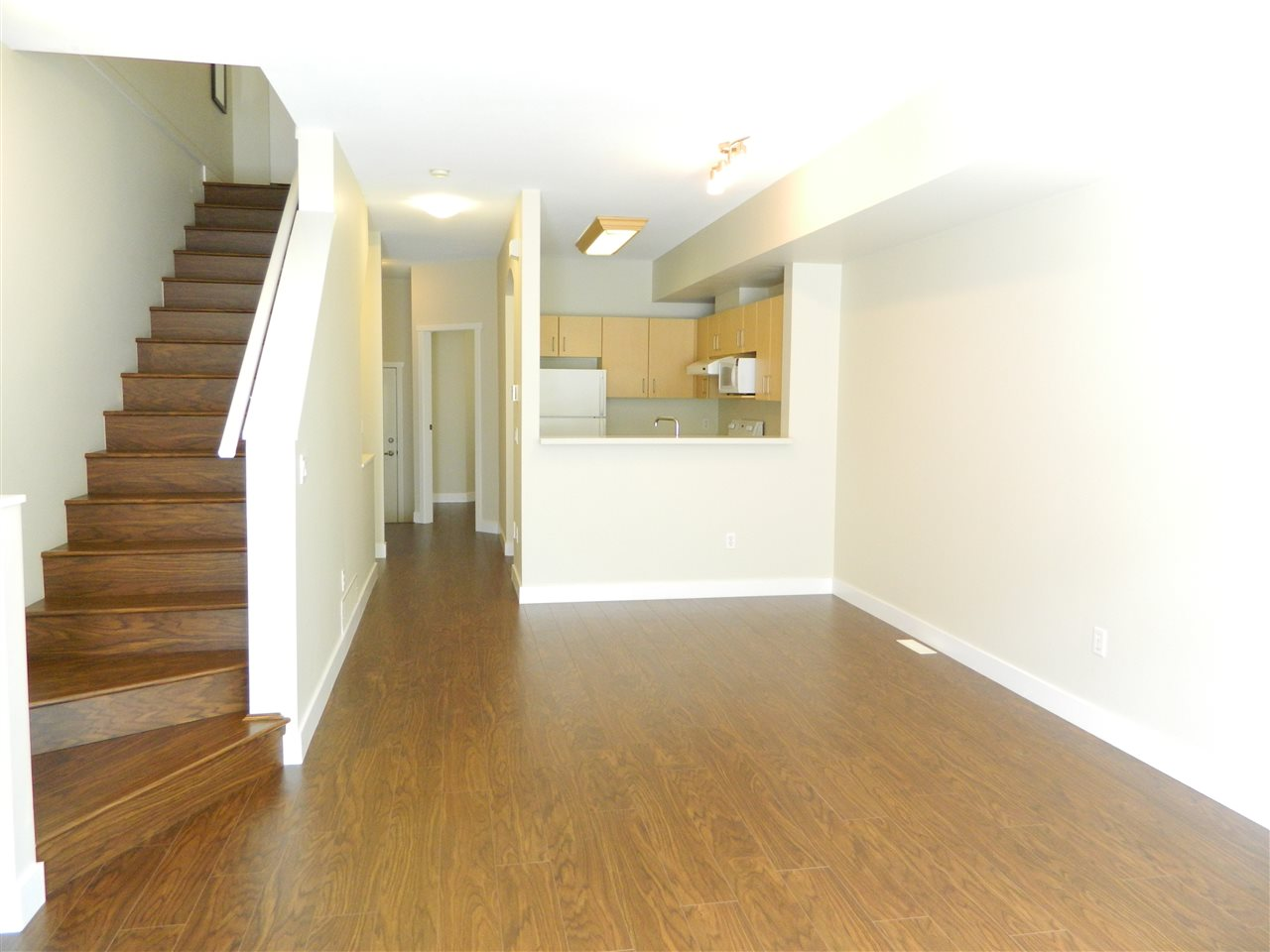 "Main Photo: 25 9079 JONES Road in Richmond: McLennan North Townhouse for sale in ""THE PAVILIONS"" : MLS® # R2175634"