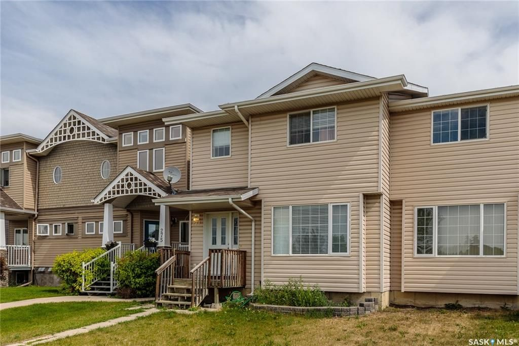 FEATURED LISTING: 271 Rutherford Crescent Saskatoon