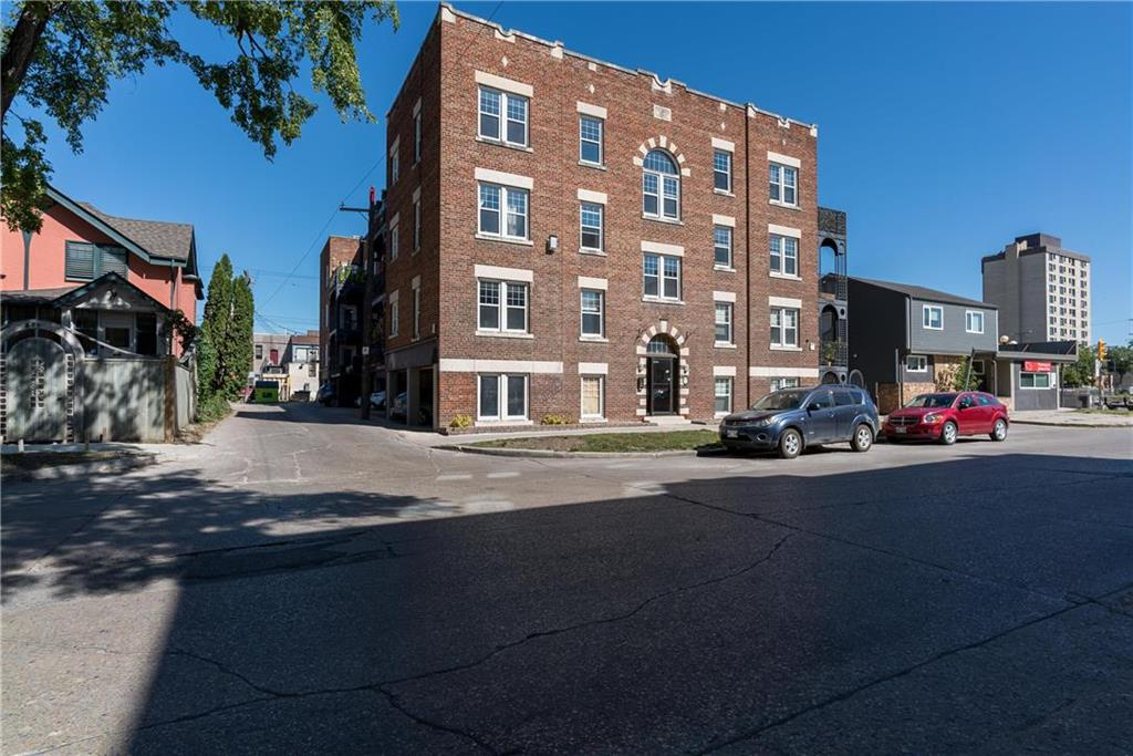 FEATURED LISTING: 15 - 477 Wardlaw Avenue Winnipeg