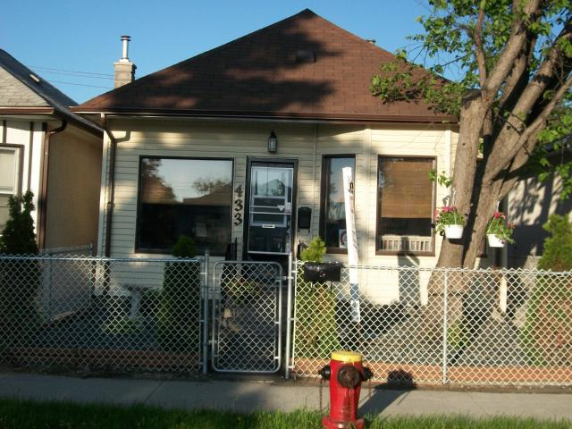FEATURED LISTING: 433 INGLEWOOD Street WINNIPEG