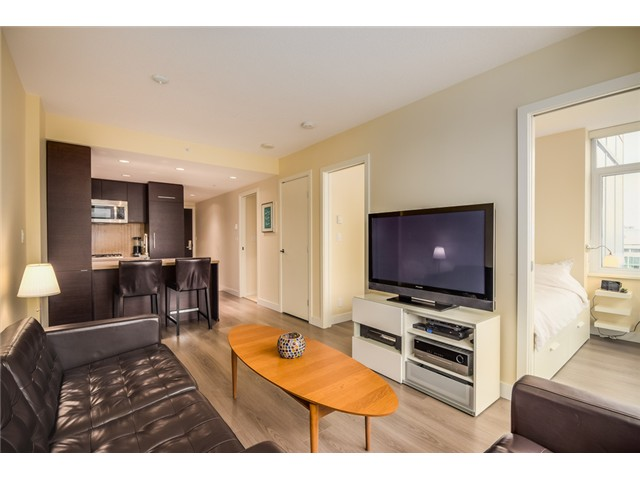 "Main Photo: 2207 833 HOMER Street in Vancouver: Downtown VW Condo for sale in ""ATELIER"" (Vancouver West)  : MLS®# V1056751"