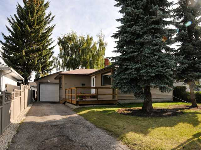 Main Photo: 16 Foxwell Road SE in Calgary: Fairview Residential Detached Single Family for sale : MLS® # C3644346