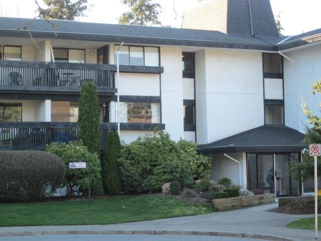 Main Photo: 202 1561 VIDAL STREET: White Rock Condo for sale (South Surrey White Rock)  : MLS® # R2150896