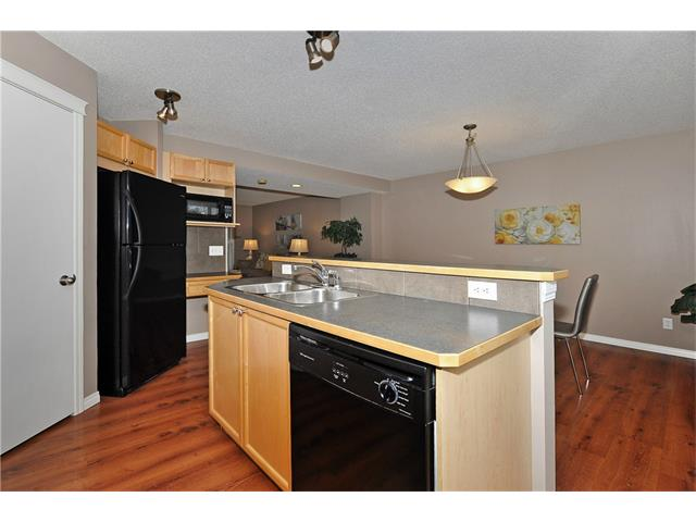 Photo 11: 32 TUSCANY RIDGE Way NW in Calgary: Tuscany House for sale : MLS® # C4086936