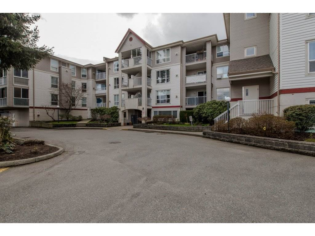 Main Photo: 209 9165 BROADWAY Street in Chilliwack: Chilliwack E Young-Yale Condo for sale : MLS®# R2150371
