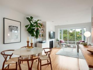 "Main Photo: 306 2195 W 5TH Avenue in Vancouver: Kitsilano Condo for sale in ""Hearthstone"" (Vancouver West)  : MLS®# R2304249"