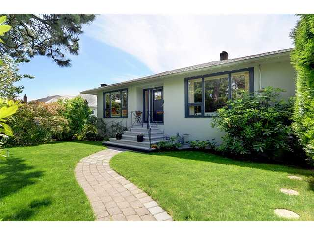 FEATURED LISTING: 713 KEITH Road East North Vancouver