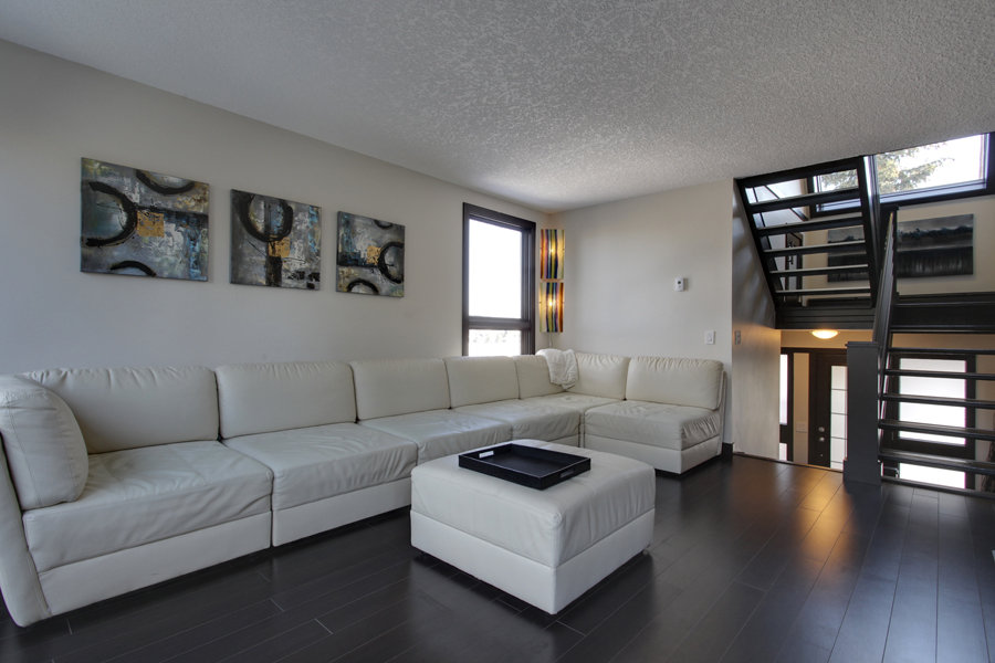 Main Photo: 19 828 Coach Bluff CR SW in Calgary: Townhouse for sale : MLS® # C3604172