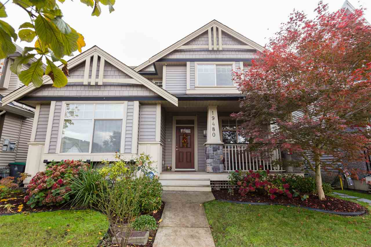 Main Photo: 19480 70 Avenue in Surrey: Clayton House for sale (Cloverdale)  : MLS®# R2117967