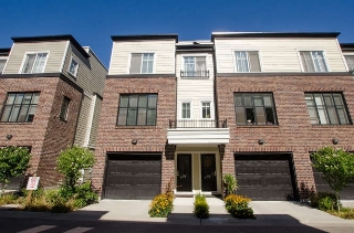Main Photo: 79 15588 32 Avenue in Surrey: Grandview Surrey Townhouse for sale (South Surrey White Rock)  : MLS® # R2202333