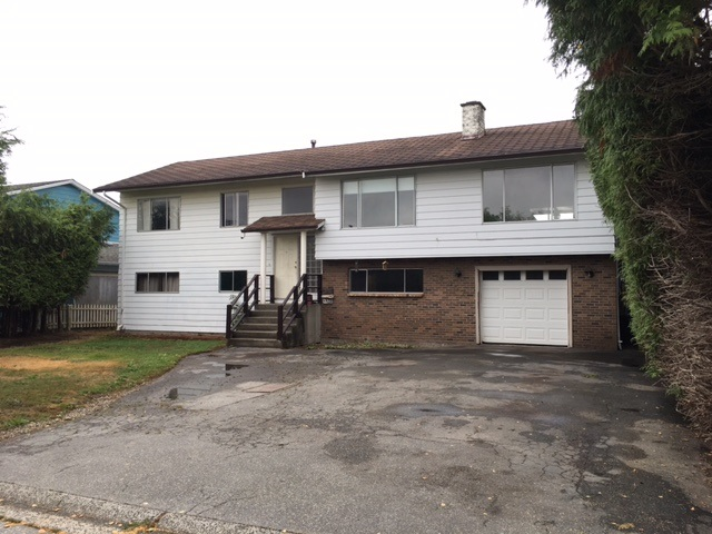 Main Photo: 4857 42A Avenue in Ladner: Ladner Elementary House for sale : MLS®# R2202975