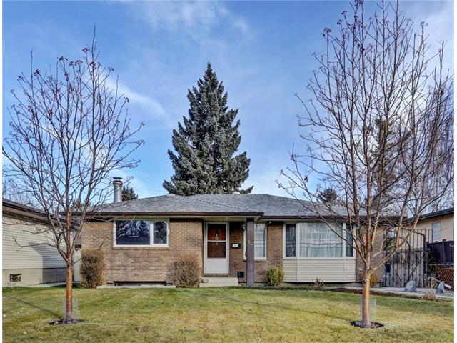 Main Photo: 32 BRAZEAU Crescent SW in Calgary: Braeside House for sale : MLS® # C4088680