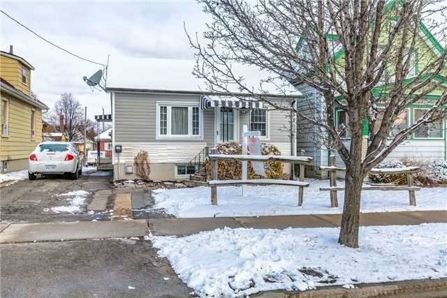 Main Photo: 206 Tresane Street in Oshawa: Vanier House (Bungalow) for sale : MLS®# E4057223