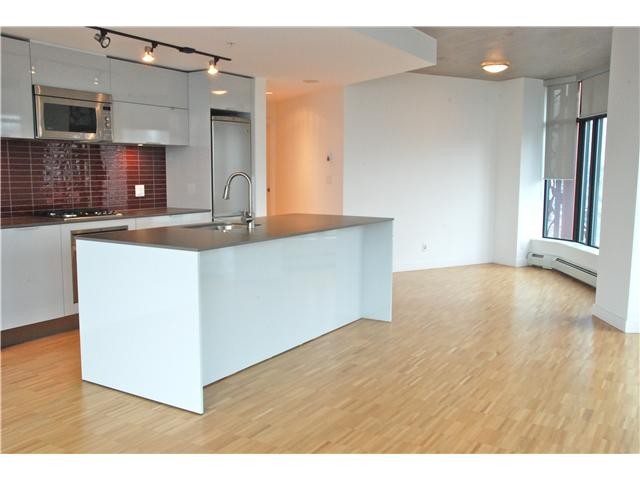 Photo 3: 2110 128 W CORDOVA Street in Vancouver: Downtown VW Condo for sale (Vancouver West)  : MLS(r) # V924477