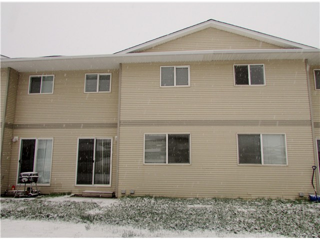 Main Photo: 204 9019 86TH Street in Fort St. John: Fort St. John - City SE Townhouse for sale (Fort St. John (Zone 60))  : MLS® # N240578