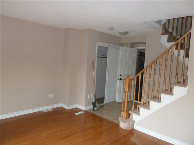 Photo 8: 3342 Redpath Circle in Mississauga: Lisgar House (3-Storey) for sale : MLS® # W3686017