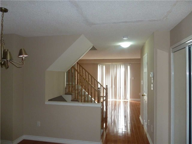 Photo 5: 3342 Redpath Circle in Mississauga: Lisgar House (3-Storey) for sale : MLS® # W3686017