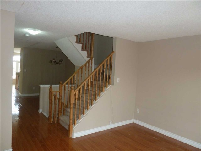 Photo 6: 3342 Redpath Circle in Mississauga: Lisgar House (3-Storey) for sale : MLS® # W3686017