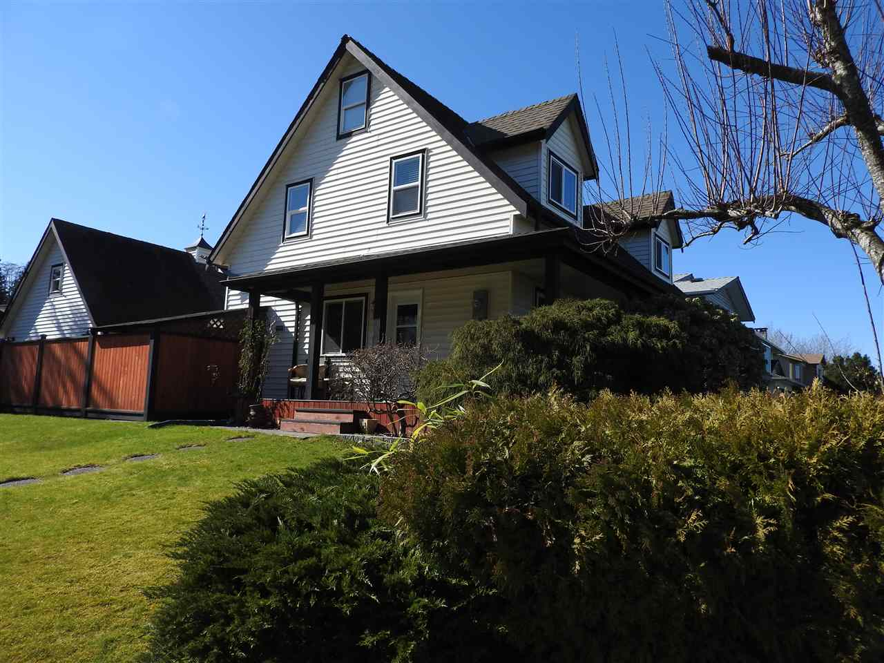 FEATURED LISTING: 21468 93 Avenue Langley