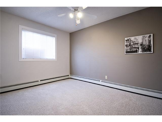 Photo 12: 107 3809 45 Street SW in CALGARY: Glenbrook Townhouse for sale (Calgary)  : MLS® # C3499753