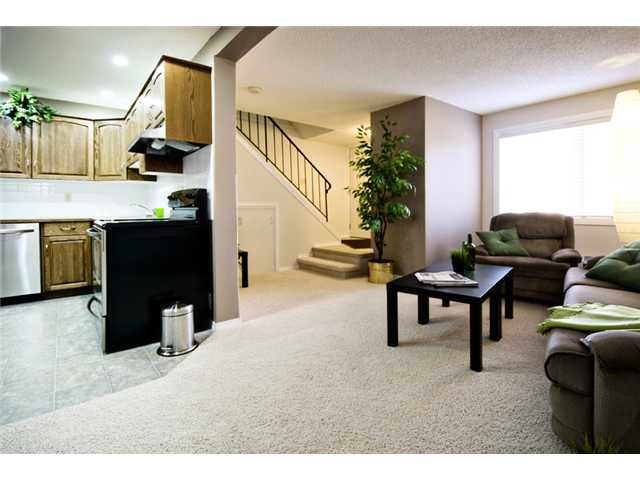Photo 8: 107 3809 45 Street SW in CALGARY: Glenbrook Townhouse for sale (Calgary)  : MLS® # C3499753