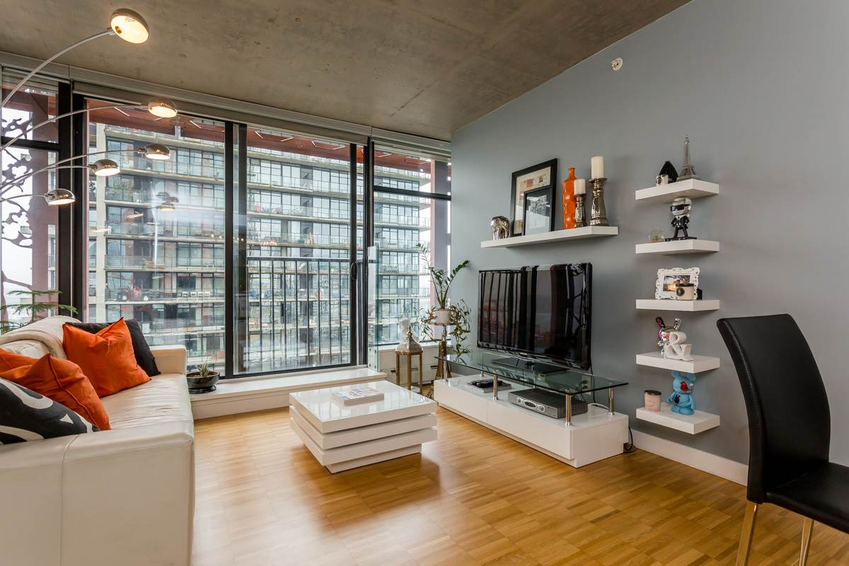 FEATURED LISTING: 2805 128 CORDOVA Street West Vancouver