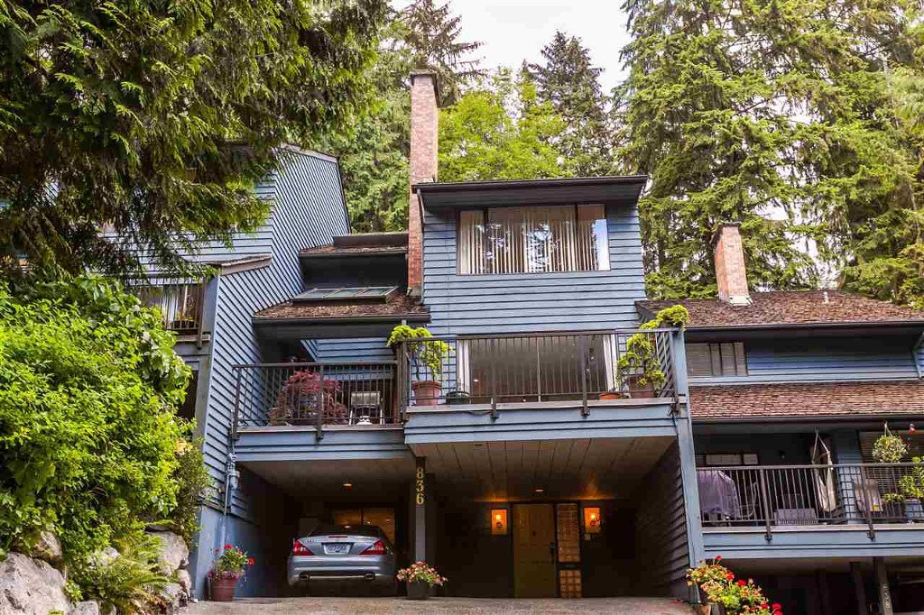 Main Photo: 836 Hendecourt Road in North Vancouver: Lynn Valley Townhouse for sale : MLS®# R2202973