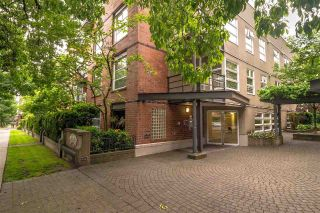 "Main Photo: 208 2181 W 12TH Avenue in Vancouver: Kitsilano Condo for sale in ""The Carlings"" (Vancouver West)  : MLS®# R2288344"