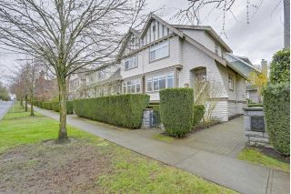 "Main Photo: 5372 LARCH Street in Vancouver: Kerrisdale Townhouse for sale in ""LARCHWOOD"" (Vancouver West)  : MLS® # R2239584"