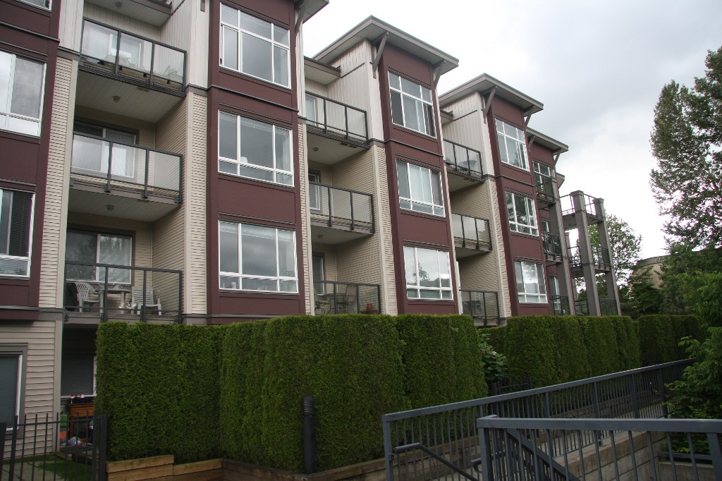 Main Photo: 111-2943 Nelson Place in Abbotsford: Central Abbotsford Condo for sale : MLS® # R2173514