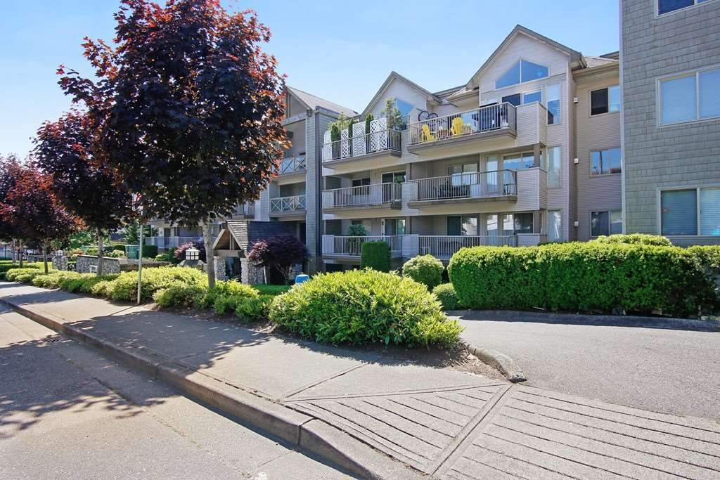"Main Photo: 308 33478 ROBERTS Avenue in Abbotsford: Central Abbotsford Condo for sale in ""Aspen Creek"" : MLS® # R2204187"