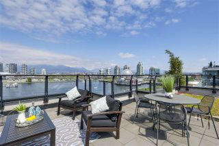 Main Photo: 801 138 ATHLETES Way in Vancouver: False Creek Condo for sale (Vancouver West)  : MLS®# R2239974