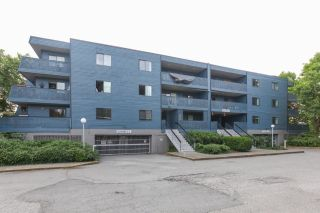 "Main Photo: 101 5906 176A Street in Surrey: Cloverdale BC Condo for sale in ""Wydham estates"" (Cloverdale)  : MLS®# R2286644"