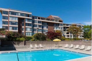"Main Photo: 605 2101 MCMULLEN Avenue in Vancouver: Quilchena Condo for sale in ""Arbutus Village"" (Vancouver West)  : MLS® # R2233941"