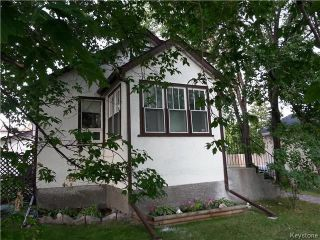 Main Photo: 219 Oakland Avenue in Winnipeg: North Kildonan Residential for sale (3F)  : MLS® # 1729539