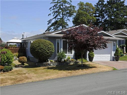 Main Photo: 82 Wolf Lane in VICTORIA: VR Glentana Manu Double-Wide for sale (View Royal)  : MLS® # 350448