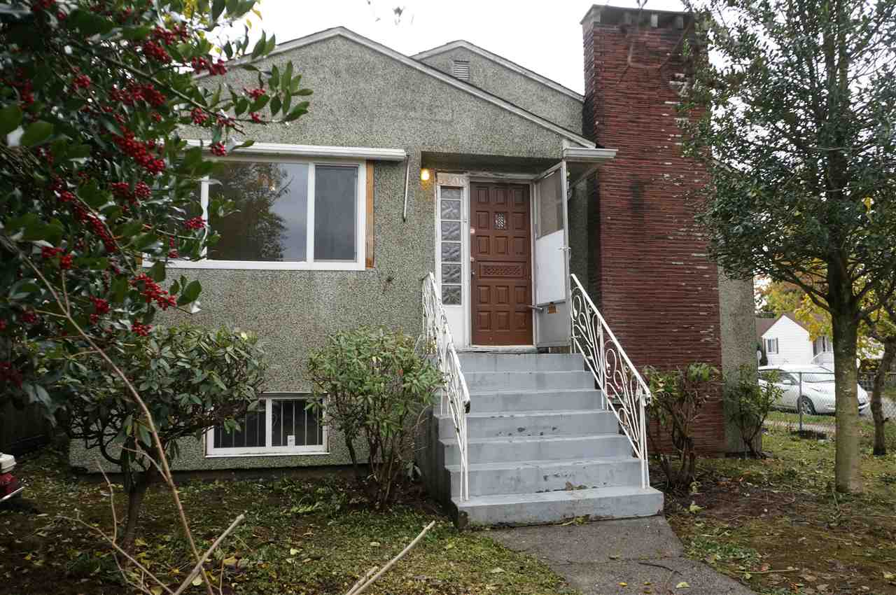 Main Photo: 3206 MARMION Avenue in Vancouver: Killarney VE House for sale (Vancouver East)  : MLS®# R2119628