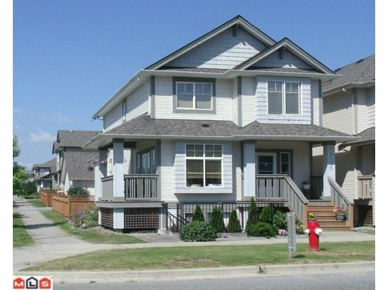Main Photo: 19105 68TH Avenue in Surrey: Clayton House for sale (Cloverdale)  : MLS® # F1120848