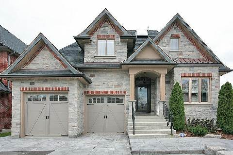 Main Photo: 111A Naughton Drive in Richmond Hill: Westbrook House (Bungaloft) for sale : MLS® # N2892654