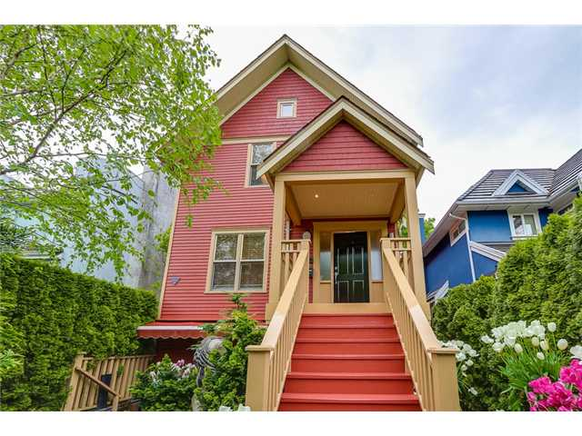 FEATURED LISTING: 833 19TH Avenue West Vancouver