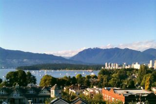 "Main Photo: 209 2211 W 2ND Avenue in Vancouver: Kitsilano Condo for sale in ""KITSILANO TERRACE"" (Vancouver West)  : MLS® # R2224895"
