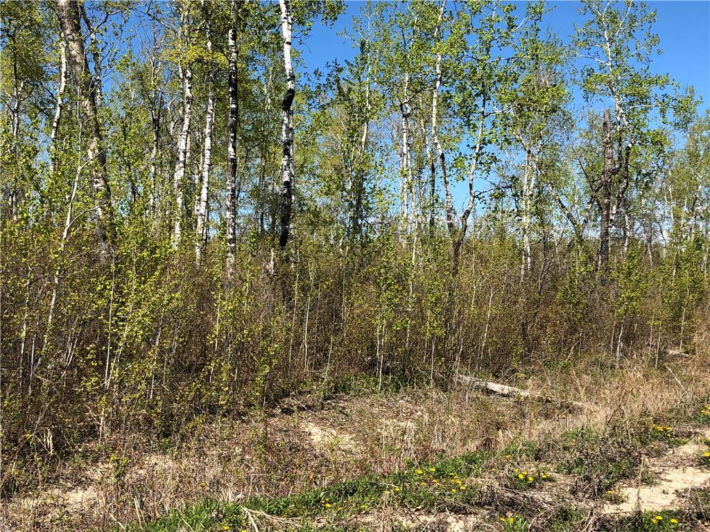 FEATURED LISTING: 14 Moon Shadow Drive Lake Manitoba Narrows