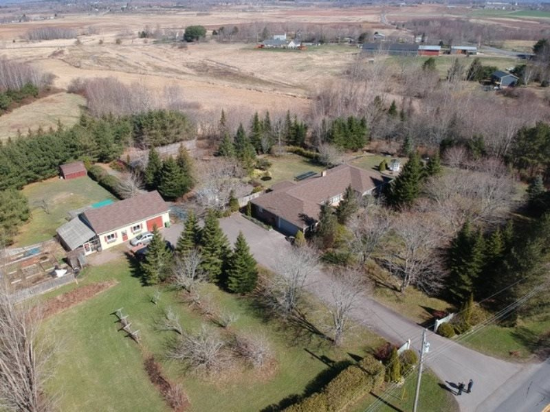 FEATURED LISTING: 317 MIDDLE DYKE Road Chipmans Corner