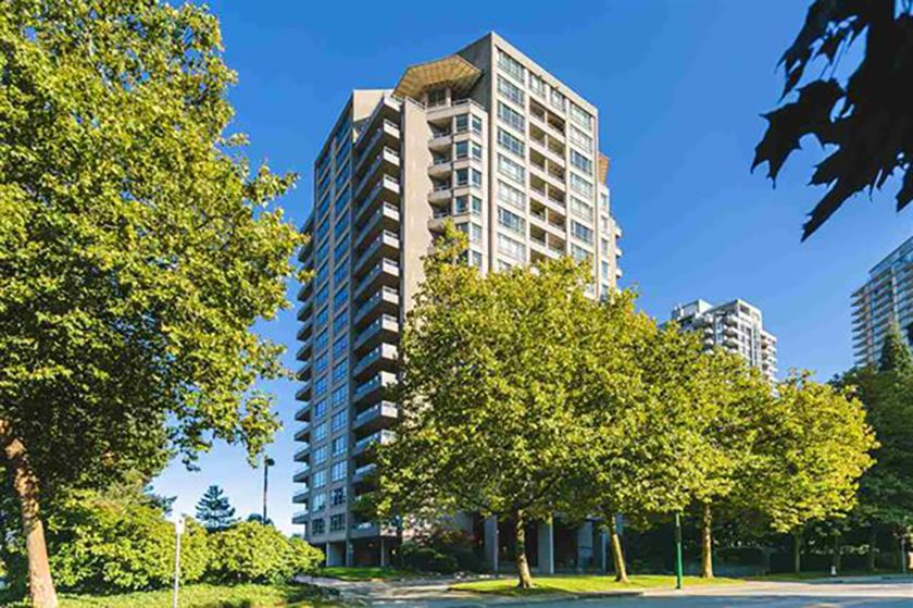 FEATURED LISTING: 403 - 6070 MCMURRAY Avenue Burnaby