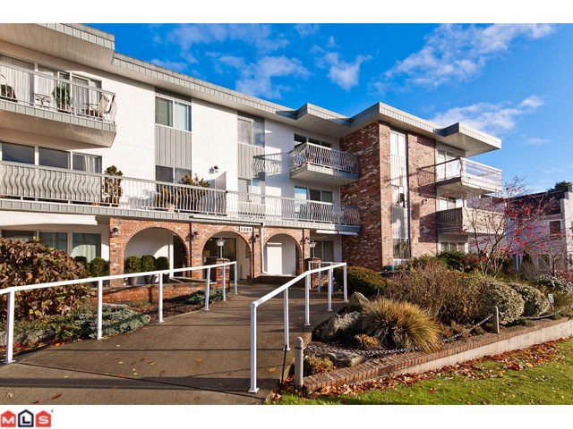 "Main Photo: 309 1520 BLACKWOOD Street: White Rock Condo for sale in ""Blue Surf"" (South Surrey White Rock)  : MLS®# F1128093"