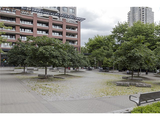 Photo 18: 704 909 MAINLAND Street in Vancouver: Yaletown Condo for sale (Vancouver West)  : MLS® # V1072136