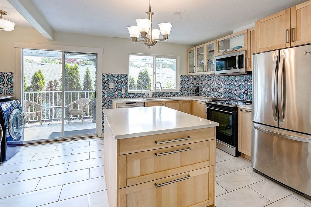 Main Photo: 21723 HOWISON Avenue in Maple Ridge: West Central House for sale : MLS®# R2075094