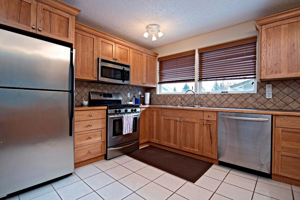 Photo 7: 3743 LOGAN Crescent SW in Calgary: Lakeview House for sale : MLS® # C4131777