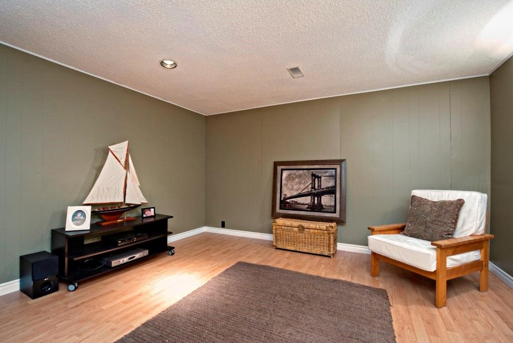 Photo 15: 3743 LOGAN Crescent SW in Calgary: Lakeview House for sale : MLS® # C4131777