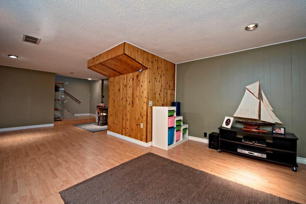 Photo 17: 3743 LOGAN Crescent SW in Calgary: Lakeview House for sale : MLS® # C4131777